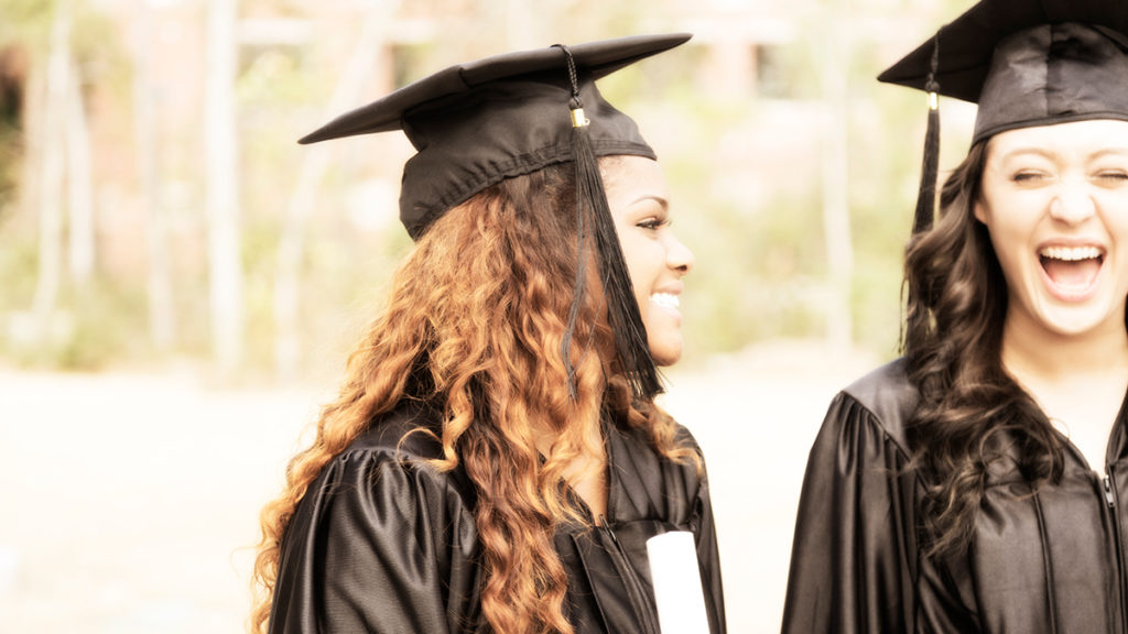 145941759675 What to Wear to Your College Graduation - College Life