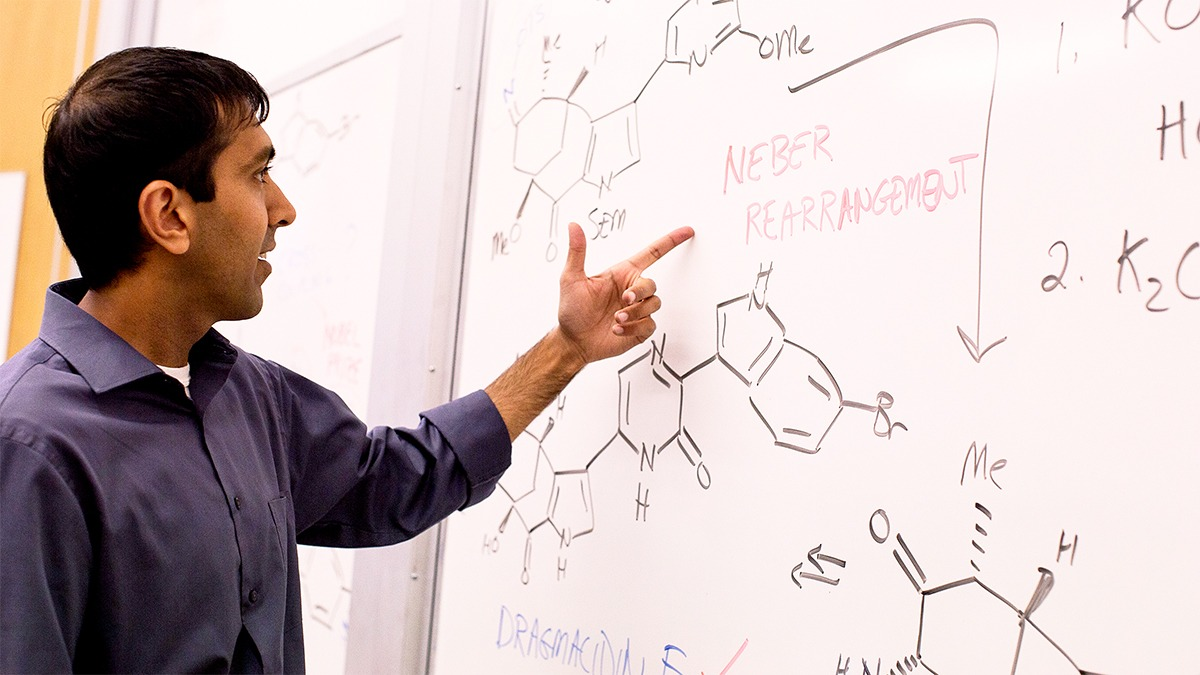 Neil Garg teaching organic chemistry